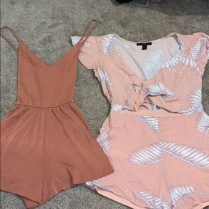 Set of two rompers